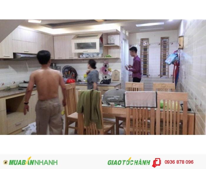 Cho thuê nhà đầy đủ đồ 4 phòng ngủ đường Đinh Tiên Hoàng
