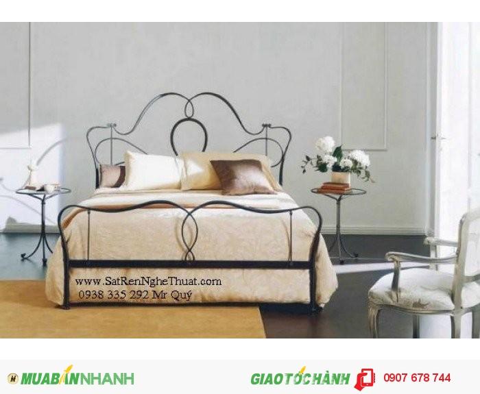 Thiết kế đơn giản không chú trọng nhiều về họa tiết nhưng vẫn mang lại nét đẹp nhẹ nhàng cho chiếc giường của bạn.0