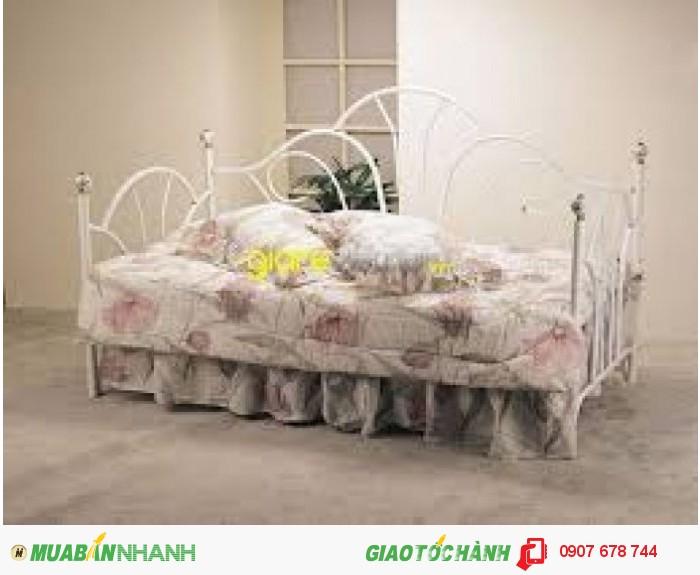 Lạ mắt với thiết kế giường ngủ dạng sofa tạo cảm giác thoải mái khi ngồi và cả khi nằm.2