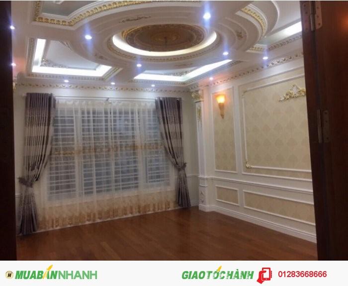 Bán gấp nhà đẹp phố Chùa Láng 79mX4t,MT5,6m giá cực hot chỉ 6,65 tỷ ( có thương lượng ).