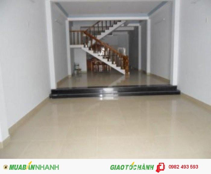 Cho thuê nhà mặt phố đường Cách Mạng Tháng 8, P.Bến Thành, Quận 1, DT: 4x10m, diện tích: 40m2
