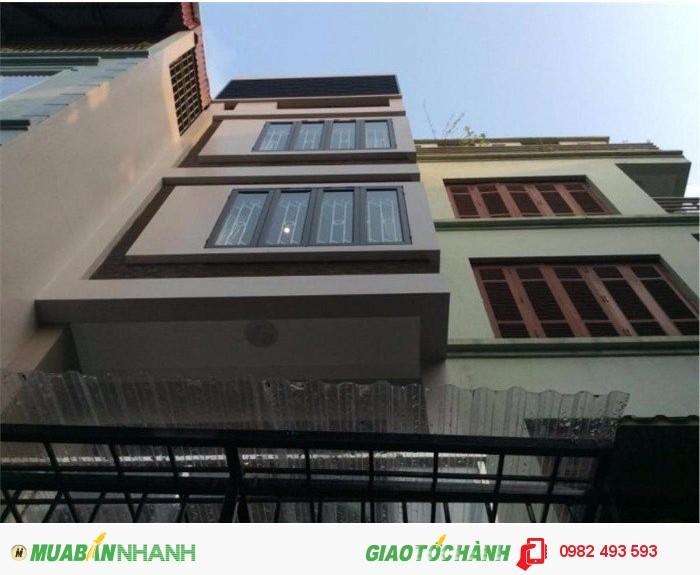 Cho thuê nhà mặt phố đường Trần Hưng Đạo, P.Cô Giang, Quận 1, DT: 12x28m, diện tích: 672m2, 2 lầu, giá: 280.000.000đ