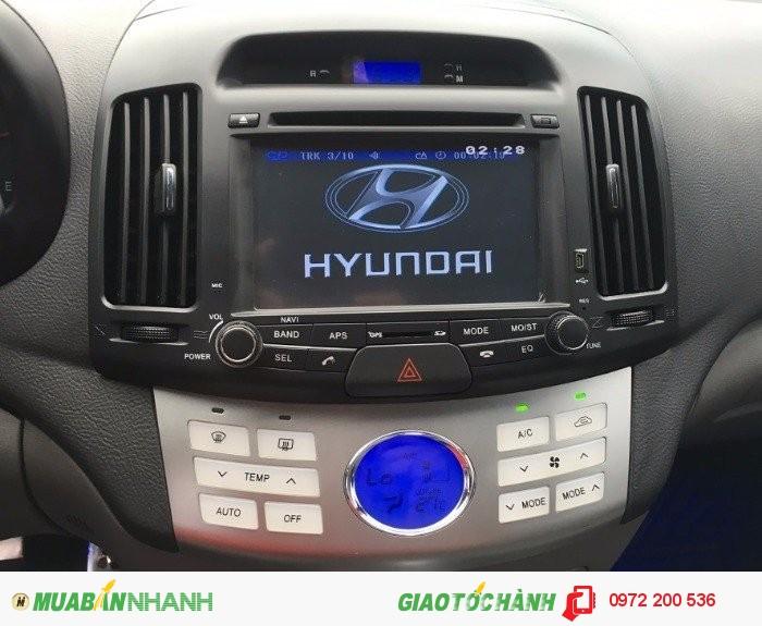Bán xe hyundai avante 1.6AT, đời 2011, màu trắng 4