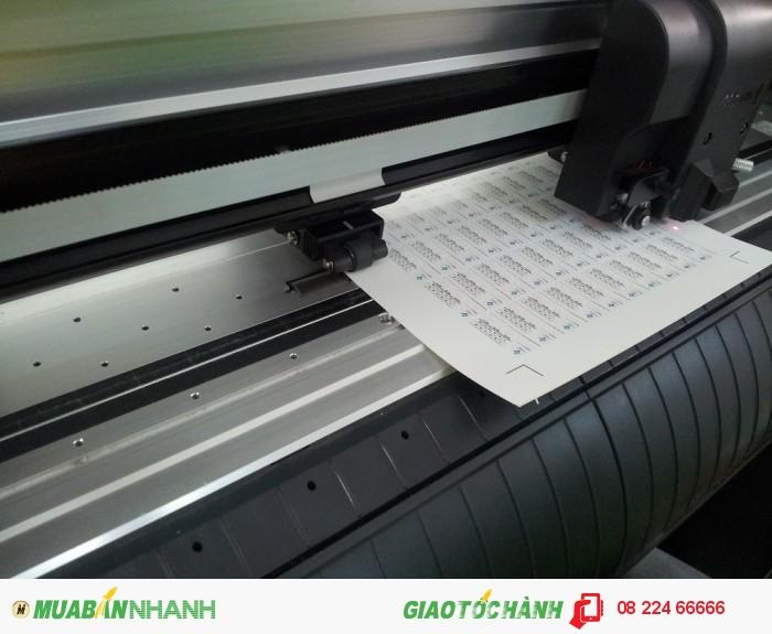 Máy bế Mimaki Nhật thực hiện gia công bê tem thành phẩm, tem bảo hành được bế theo đường viền, bạn chỉ cần bóc ra và sử dụng