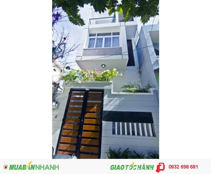 Bán nhà mặt tiền quận 10, đường Nguyễn Tiểu La (DT:4.6X13)