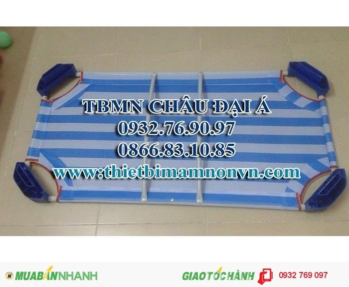 Giường lưới của bé màu xanh rêu, màu sọc xanh dương1