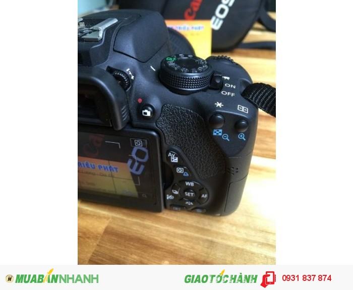 Máy chụp hình Canon 700D, mới 99%, zin 100%.