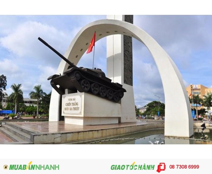 Ngã 6 Ban Mê là biểu tượng của thành phố với tượng đài chiến thắng oai hùng