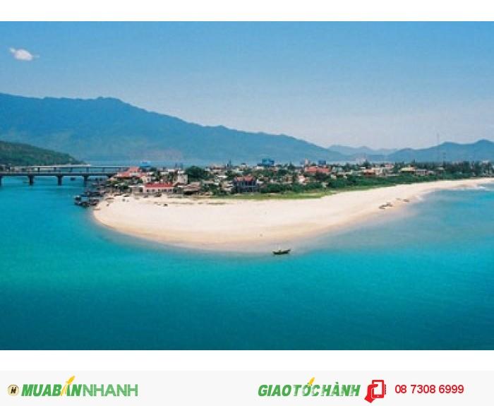 Vẻ đẹp của bãi biển Lăng Cô xứ Huế