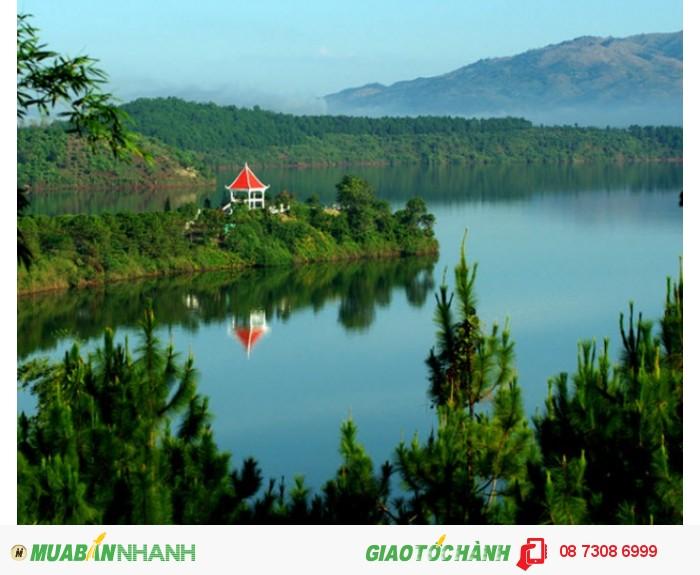 Hồ Tư Nưng hay Biển Hồ là một hồ nước ngọt nằm ở phía tây bắc thành phố...