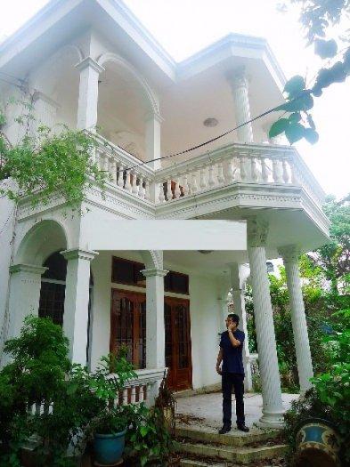 Cho thuê biệt thự sân vườn đường Lam Sơn, P2, Tân Bình; DT: 15x15m. 2 lầu