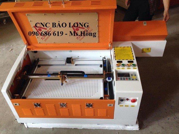 Máy khắc laser 6040 khắc dấu, máy laser 6040 cắt khắc quà tặng