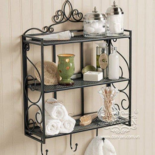 Nội thất phòng tắm đẹp tiện lợi với kệ sắt mỹ thuật 2 tầng, sơn đen.