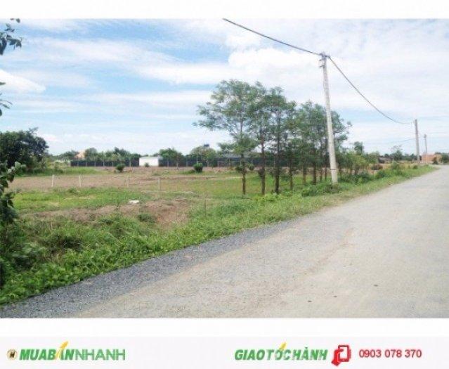 Cần bán đất mặt tiền đường Kênh A, diện tích: 10x60m, nở hậu chữ L 25m tổng diện tích 900m2 trong đó có 560m2 thổ cư.