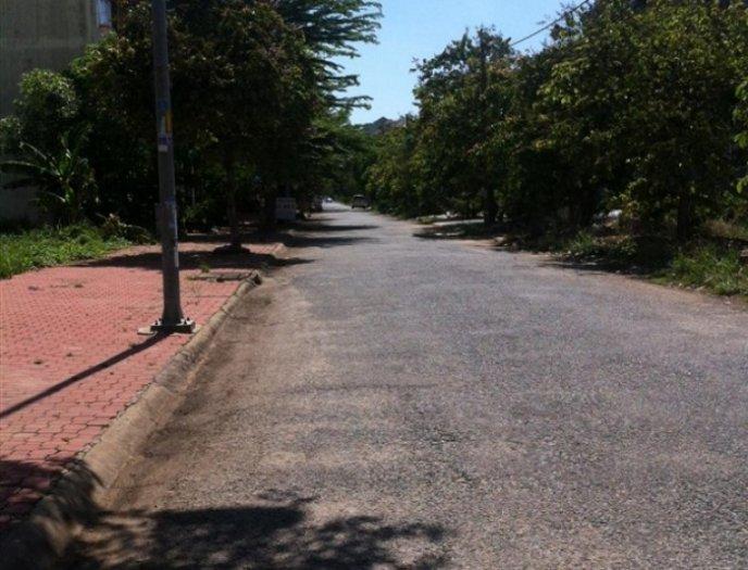 Bán đất giáp sông sổ hồng từng nền Lê Hữu Kiều, Quận 2, giá 31tr/m2