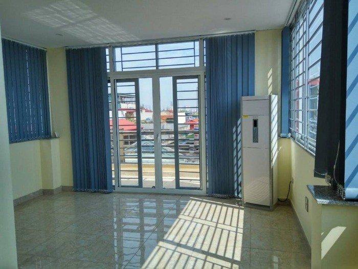 Văn phòng cho thuê miễn phí 7 ngày, DT 27m2 giá 4.6 triệu/th