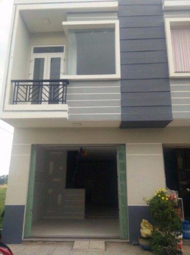Cần bán căn nhà 1 trệt 1 lầu gấp, sổ hồng, chính chủ