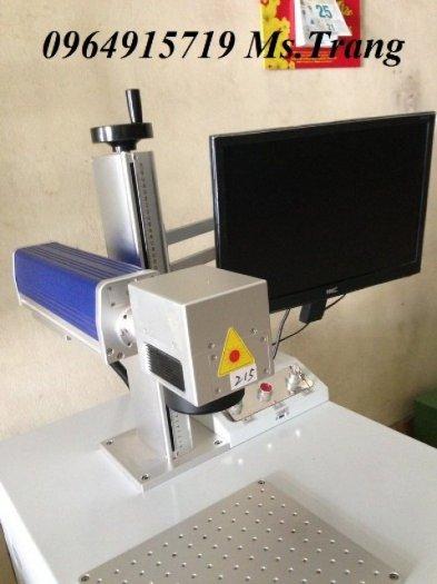 Máy laser fiber khắc kim loại, máy laser khắc nhãn mác trên bề mặt kim loại