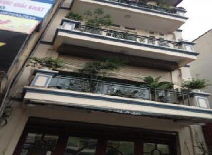 Bán nhà Mặt phố Hào Nam 70m, vỉa hè rộng và kd tốt giá 16,6tỷ.