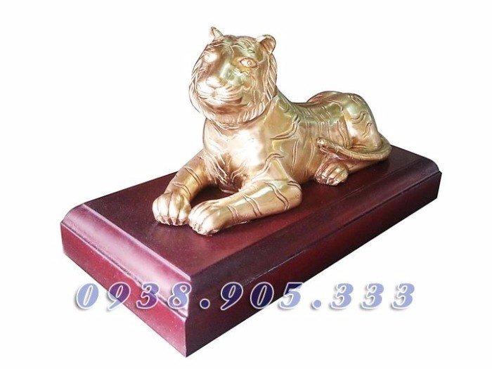 Tượng hổ bằng đồng cao 16cm, tượng phong thủy cho người thiếu Mộc1