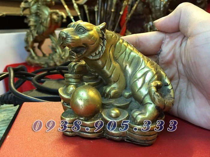 Tượng hổ bằng đồng cao 16cm, tượng phong thủy cho người thiếu Mộc2