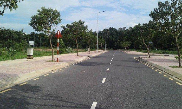 Đất nền khu dân cư TB mới - LK sân golf 5*, DT 120m2, thổ cư, sổ hồng riêng.