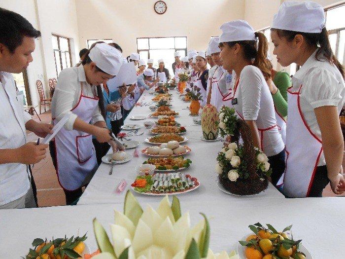 Mở lớp sơ cấp nghề nấu ăn