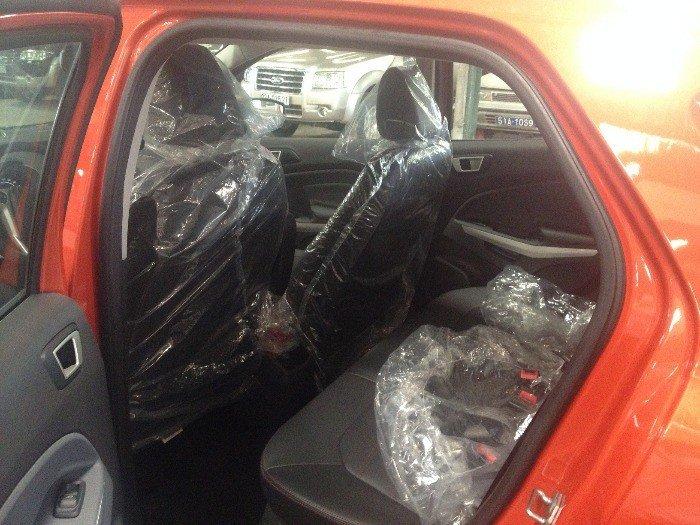 Ford EcoSport Titanium 2k16 giao liền 4