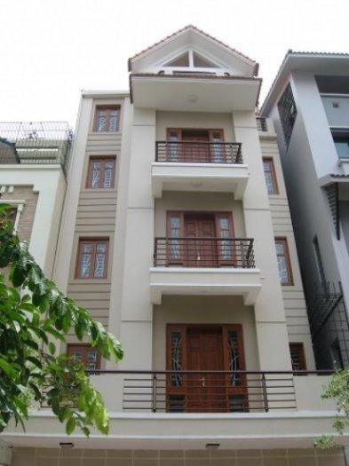 Cho thuê nhà mặt phố đường Nguyễn Đình Chiểu, P.Phường 3, Quận 3, DT: 8x30m