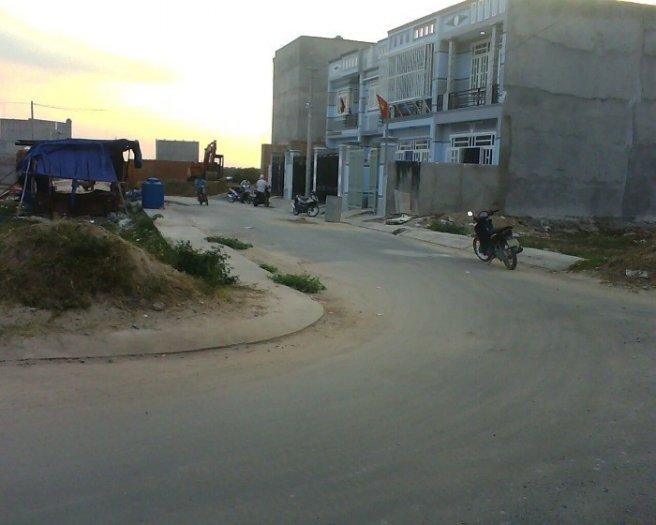 Đất sổ riêng DT:85m2,bao sang tên,GPXD,đường số 2 khu dân cư hóc môn