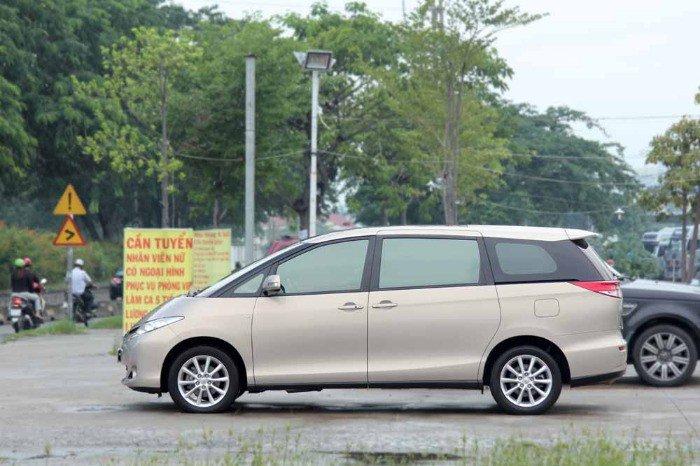 Toyota Previa sản xuất năm 2010 Số tự động Động cơ Xăng