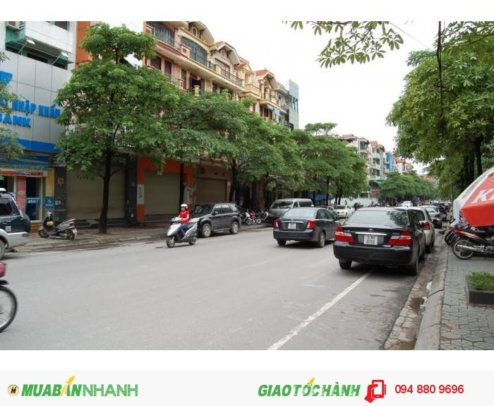 Bán nhà mặt phố vị trí đẹp nhất Hào Nam, Đống Đa, 60m2, mt 5m, 4 tầng, giá 19,7 tỷ.