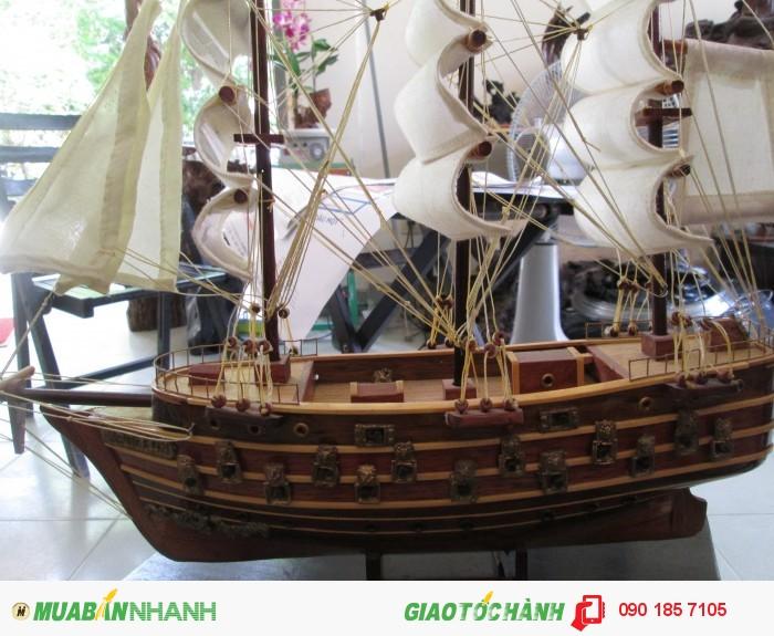 Thuyền buồm trắng1
