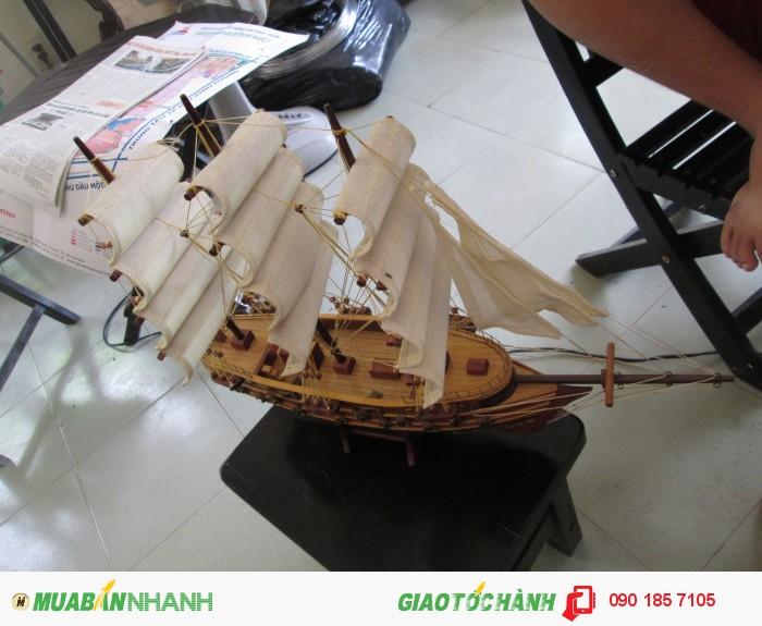 Thuyền buồm trắng2