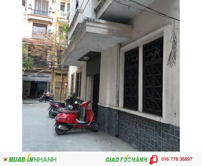 Cho thuê nhà Văn Cao Hà Nội, khu vực quận Ba Đình,30m2x3 tầng,giá 11 triệu /tháng