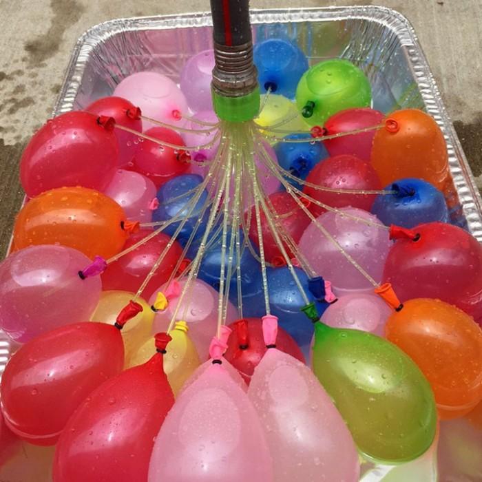 Bộ 111 bong bóng nước Magic Balloons nhiều màu giúp bé phát huy khả năng nhận biết màu sắc, phản xạ nhanh nhạy của cơ thể.