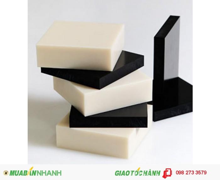 Nhựa POM có màu trắng và đen0