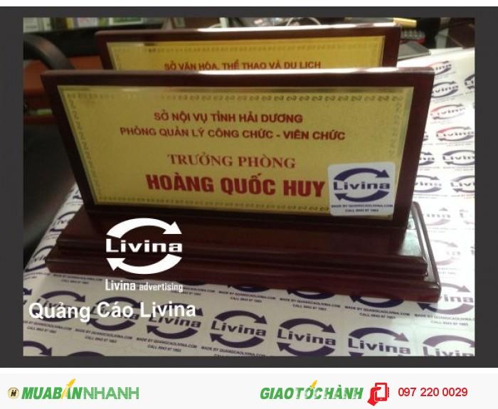 Biển mica để bàn được bán ở đâu? Chúng tôi bán biển mica để bàn tại Hà Nội và T.p Hồ Chí Minh. Chúng tôi luôn có sẵn số lượng lớn vật tư ở kho đáp ứng mọi nhu cầu làm biển mica để bàn. Hãy liên hệ ngay với chúng tôi để nhận báo giá biển mica để bàn tốt nhất.