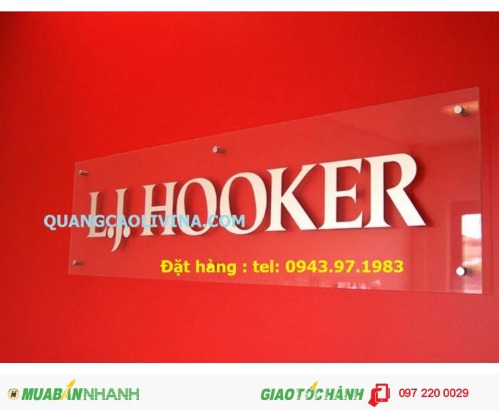 Làm biển quảng cáo mica cho công ty đẹp tại Hà Nội