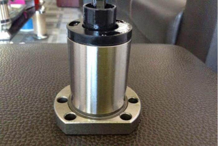 Linh kiện máy CNC: đai ốc bước 10 giá rẻ
