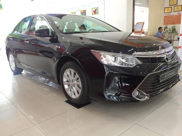 Khuyến Mãi Toyota Camry 2.0E 2018 Màu Đen , Mua Trả Góp chỉ cần 250Tr. Xe Giao Ngay