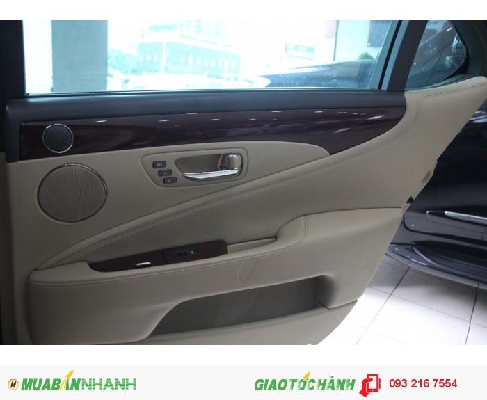 Lexus LS 460 sản xuất năm 2006 Số tự động Động cơ Xăng