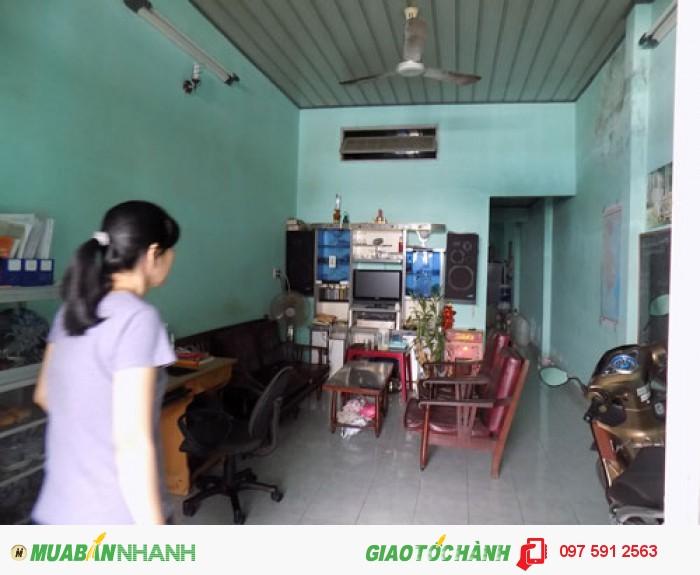Bán nhà cấp 4 Ngõ 527 Lĩnh Nam, Hoàng Mai. DT 31m2, mặt tiền 8m. Giá 1.1 tỷ