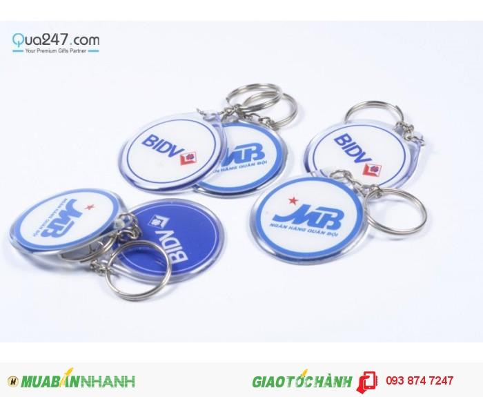 Móc khóa đổ keo - quà tặng quảng cáo giá rẻ dành cho các doanh nghiệp