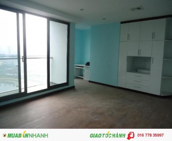 Chính chủ cho thuê căn hộ 132m2 tòa E chung cư Làng Việt Kiều Châu Âu,căn góc 3PN,giá 15tr