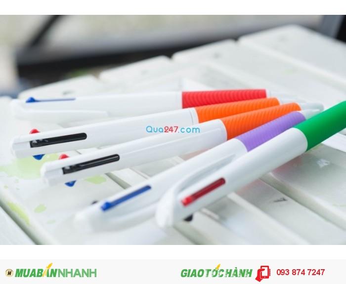 Bút bi nhiều ngòi nhiều màu sắc in logo quảng cáo số lượng lớn giá cạnh tranh
