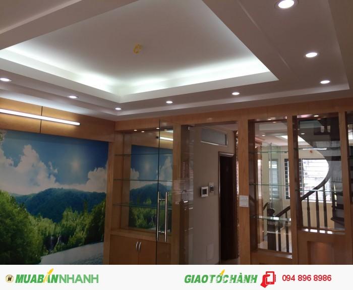 Chính chủ bán nhà 6,4 tỷ phố Láng Hạ, Vũ Ngọc Phan, Đống Đa 52m2x5t oto vào nhà