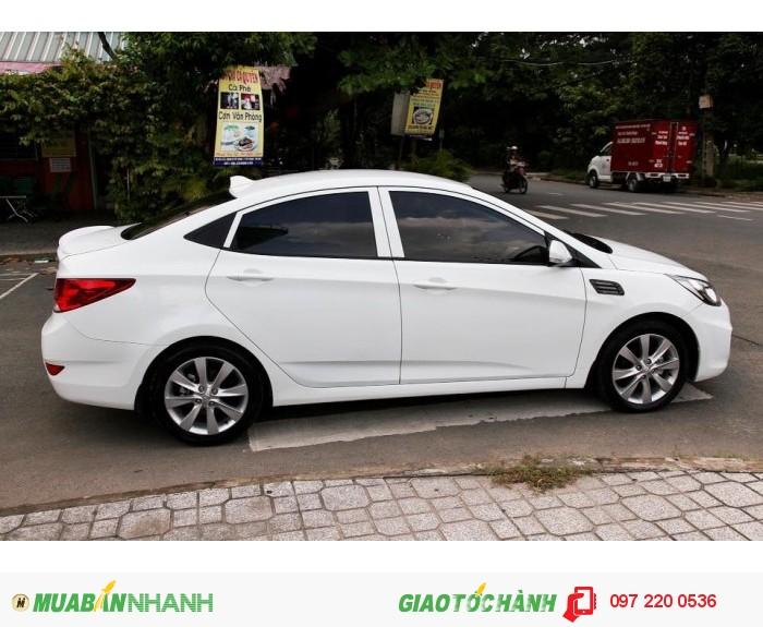 Bán Hyundai Accent 1.4AT xe nhập nguyên con màu trắng 3
