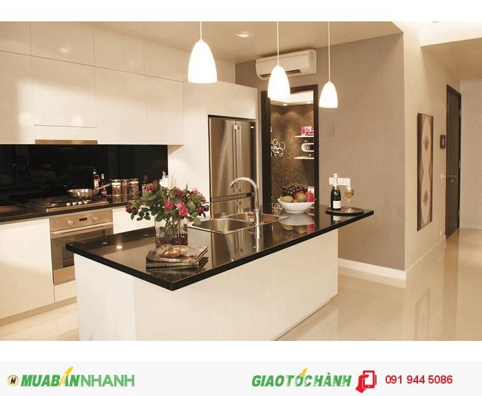 Định cư nước ngoài cho thuê nhanh căn hộ Sunrise City, 3PN 125m2 giá 24.2 triệu, căn góc, lầu cao