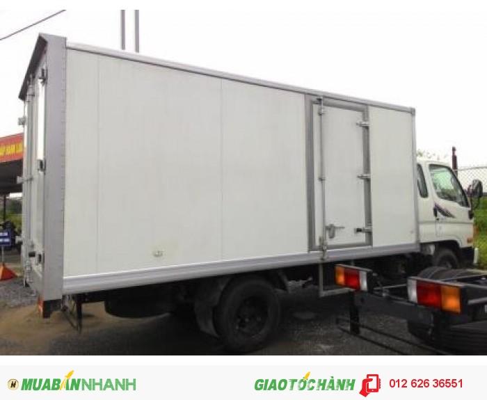 Bán xe tải Hyundai 98s thùng kín 5.5 tấn 2016, giá rẻ cạnh tranh